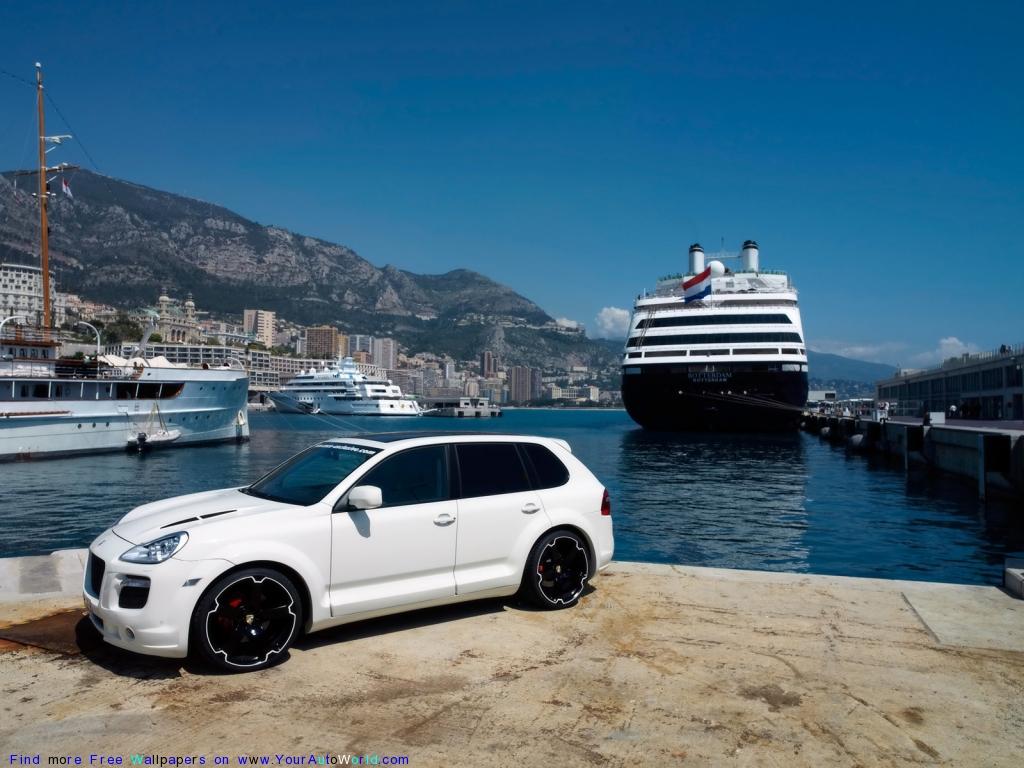 Черно-белая «ракета» Porsche Cayenne…